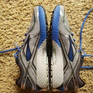 Brooks Men's GTS-16 size 10 Medium Width Blue&Grey